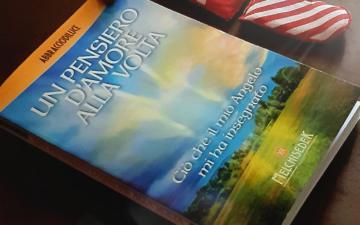 Recensioni Libri: Un Pensiero d'Amore alla Volta di Abbracciodiluce (Melchisedek Edizioni)